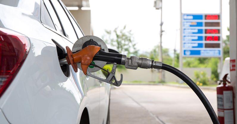Стоимость бензина все еще остается высокой вМурманской области